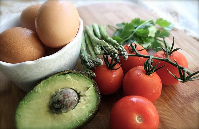 לאכול מהצומח ומהחי בלי מזון מעובד