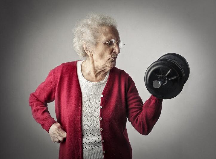 סבתא מרימה משקולות