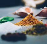 8 תבלינים שלא תאמינו עד כמה הם משדרגים את האוכל